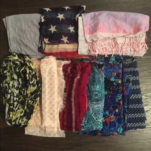 Light weight scarves